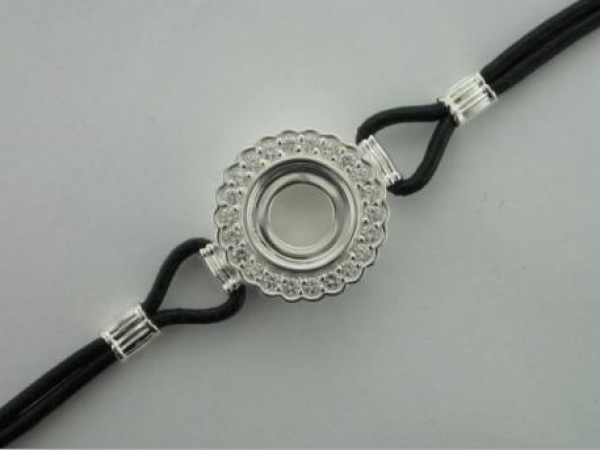 Bracelet - Kameleon Sterling Silver And Leather Bracelet W/ Scalloped Edge